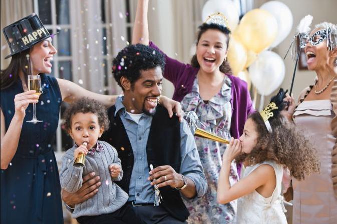 Fira nyår med bara familjen eller större sällskap?